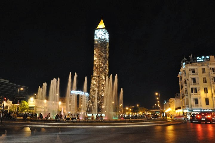 avenue-Habib-Bourguiba-Tunis horloge